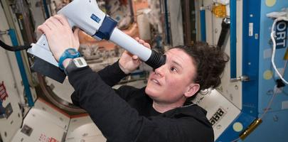 Дырку на МКС проделала астронавт НАСА Серина Ауньон