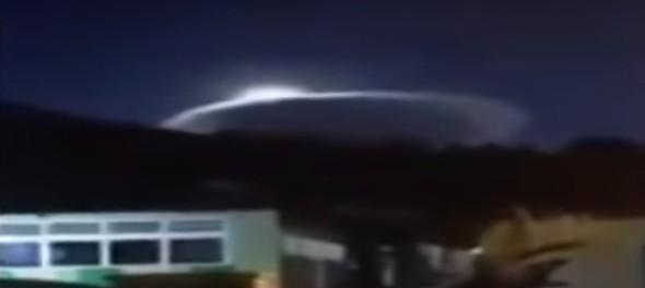 Гигантский космический корабль показался вместо луны 21 января
