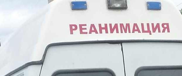 Девушка, влетевшая на бублике в дерево, скончалась в больнице