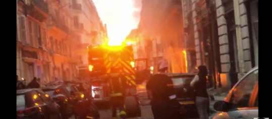 Для чего Макрон организовал взрыв в Париже