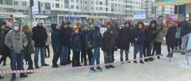 Начали минировать Екатеринбург и всю Россию: идет эвакуация школ и больниц