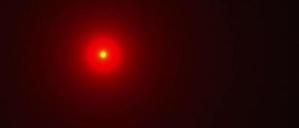 Почему в небе стало появляться так много красных НЛО