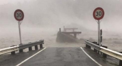 Ледник на горах растаял и снес мост в Новой Зеландии