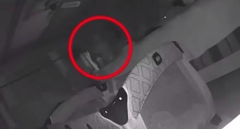 Камера наблюдения за ребенком увидела приведение