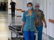 санитарка уволили за оторванный палец