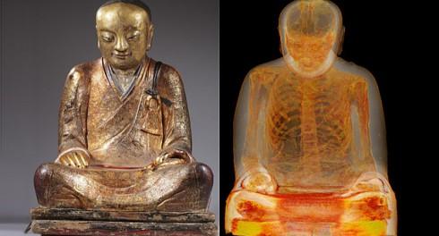В скольких скульптурах могут быть замурованы люди