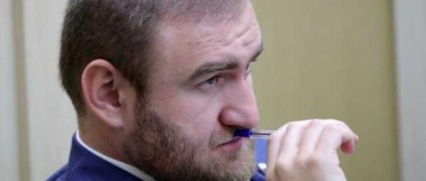 Аракушев продолжает заниматься бизнесом