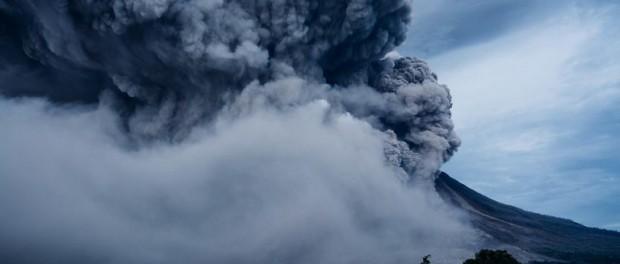 Теперь вулкан в Италии бомбанет по круче Йеллоустоун