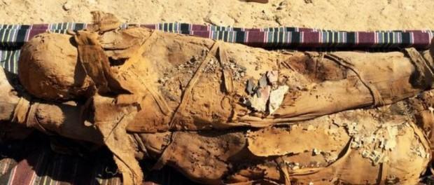 В Египте нашли гробницы с 30 мумиями