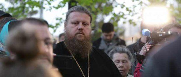 Отец Миняйло: «Урал» проиграл из-за храма в сквере