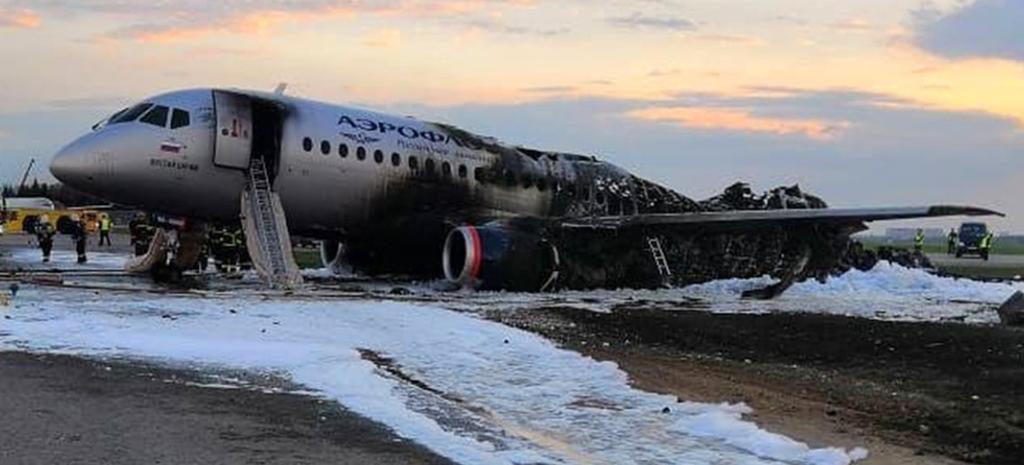 причины падения самолета в Шереметьево Сухой Суперджет 100