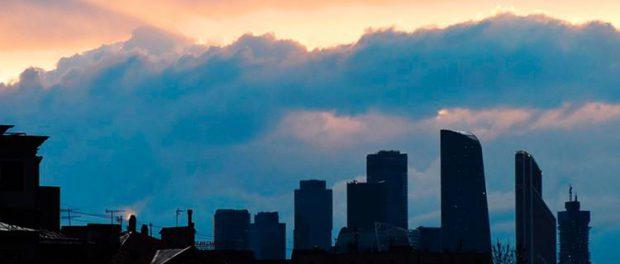 На Москву летит торнадо