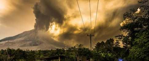 Вспыхнул вулкан в Индонезии