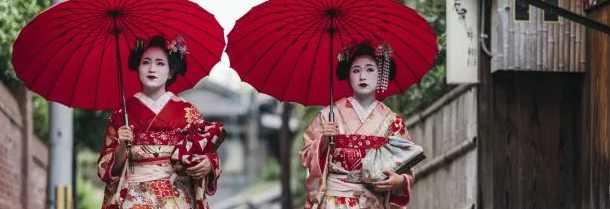 Почему туристы затрудняют жизнь гейши