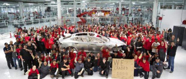 Tesla терпит убытки