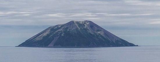 На Камчатке опять извержение вулкана