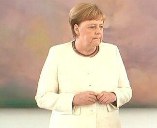 Меркель опять начало потряхивать на публике