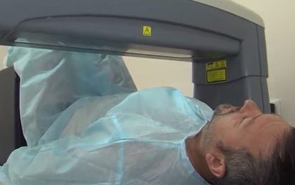 Жители Марий Эл обследуются на уникальном устройстве для диагностики остеопороза