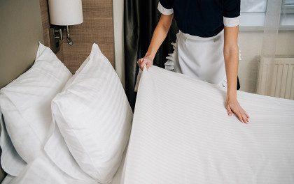 Почему в отелях нельзя заправлять кровати