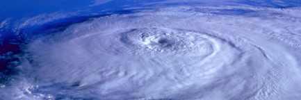 Ураган «Дориан» повернул в другую сторону