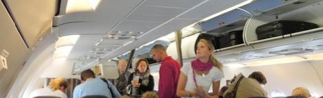 Пассажир самолёта нокаутировал стюардессу