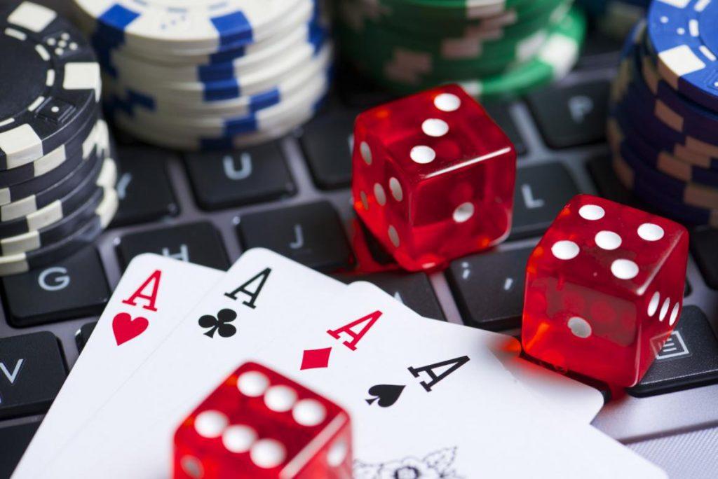 играть мопс казино