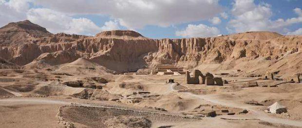 В 30-ти хорошо сохранившихся гробах найдены 3000-летние египетские мумии