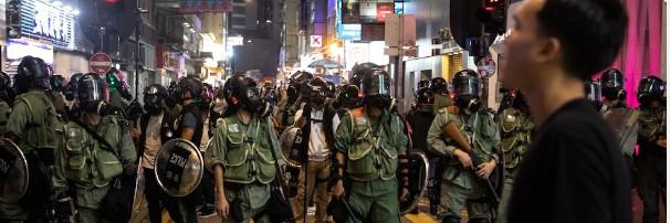Из протестов туризм  в Гонконге в упадке на 50%