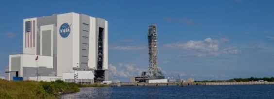 NASA выбирает ракету для полета на Луну