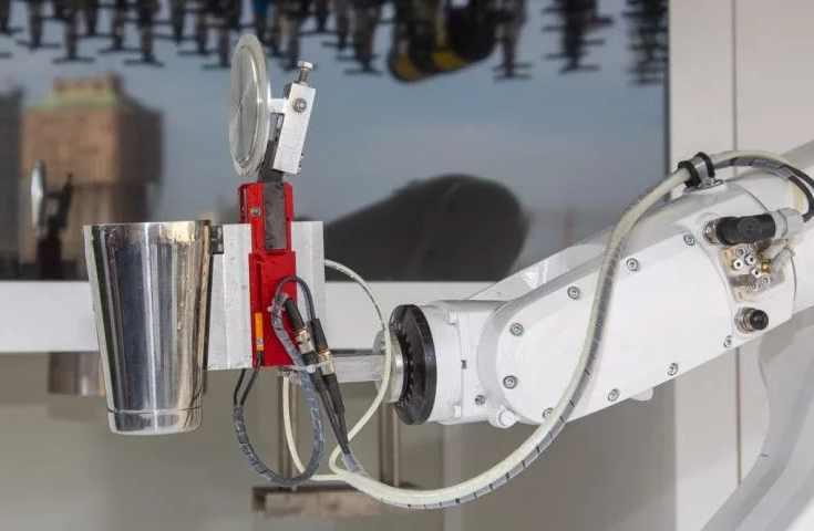 making robot, Toni