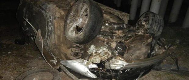 Трое парней погибли при падении машины с моста в Адыгее