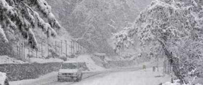 В Кашмире жуткий метровый снежный  апокалипсис
