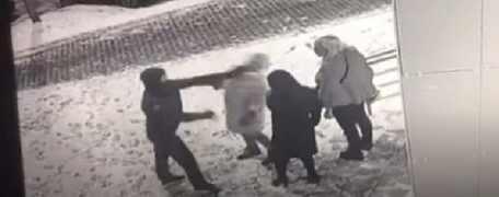 В Екатеринбурге таксист-южанин избил трех девушек из-за долгого ожидания