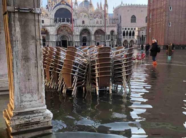 Венеция наводнение фото , Venice during the flood. photos