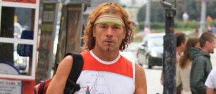 В Екатеринбурге умер легендарный Тарзан, бегавший по городу босиком