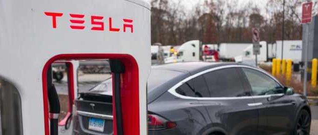 Tesla нашла лазейку, позволяющую арендовать автомобили в Коннектикуте