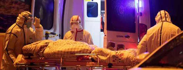 В Ухане начали умирать медики