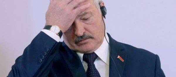 Батька Лукашенко заболел коронавирусом