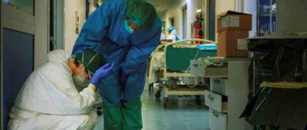 Смертность в Италии достигло почти 800 человек в сутки