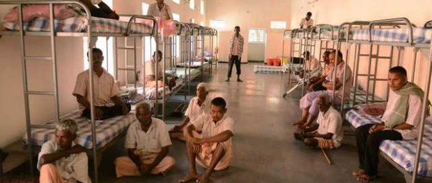 За плевки на улицах в Индии будут сажать в тюрьму