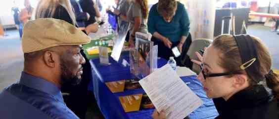 Безработица в США 26 миллионов, а фондовый рынок растет