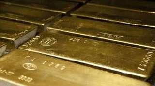 Страны срочно забирают золото из США