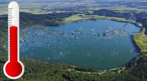 В вулканических озерах Германии вода уже кипит