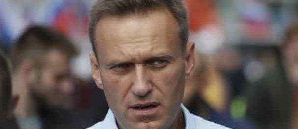 Навального отравили. Он в коме