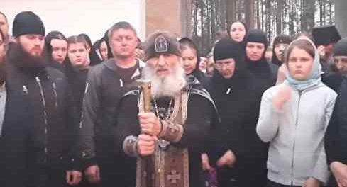 Сергия начал оборонять монастырь от вредных попов