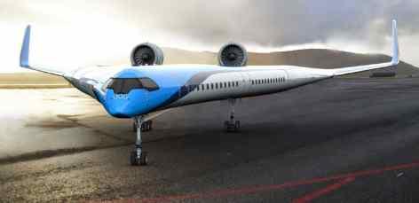 Авиалайнер, где пассажиры полетят в крыльях