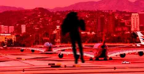 В Лос-Анджелесе идет охота на парня с реактивным ранцем