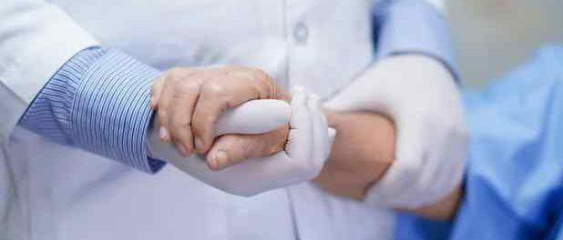 Нидерланды разрешат смерть неизлечимо больных детей при помощи врача