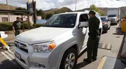 Трамп будет создавать карантины на границе с Мексикой