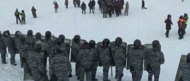 Протесты в Екатеринбурге закончились «Ледовым побоищем»